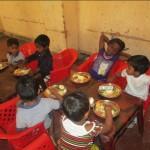 Jhonnys 10 års fødselsdag blev fejret hos Cholar børnepasningshjem